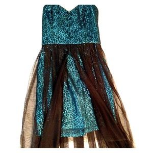 Youthful and fun party dress/ prom!